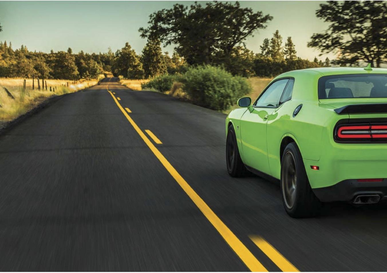 Dodge Challenger Hellcat Back